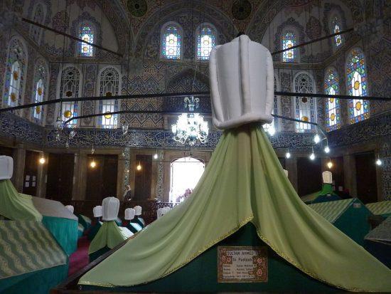 1-ahmedin-turbesindeki-kabri-osmanli-padisahi-i-ahmed-bilgi-ve-yasamiosmanli-imparatorlugu-sultanlari-ahmet
