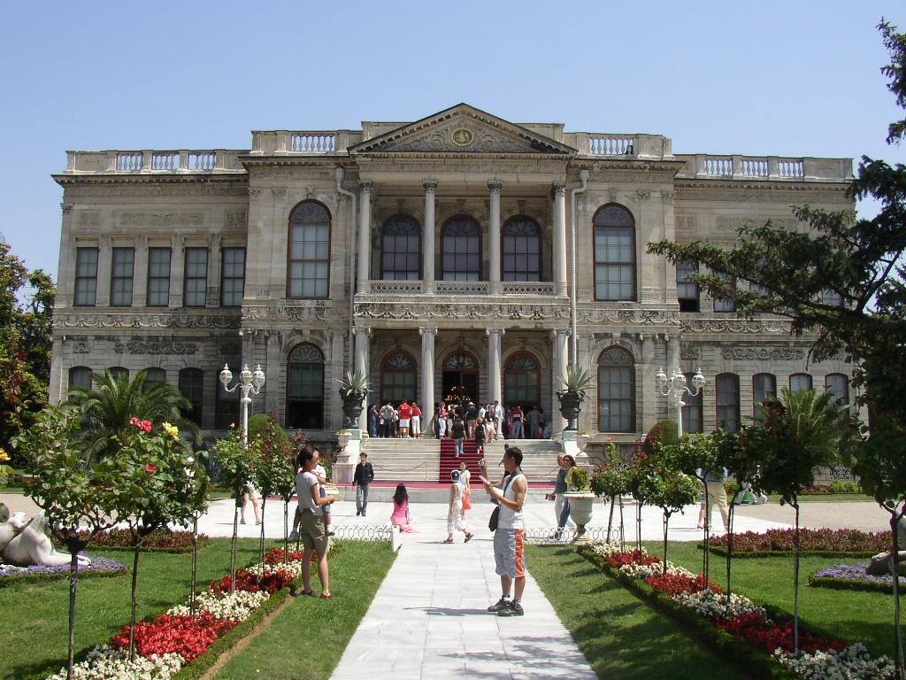 Dolmabahçe Sarayı Müzesi – İstanbul Dolmabahce Sarayi.Tarihi Eserleri. Osmanlı Müzeleri Sarayları