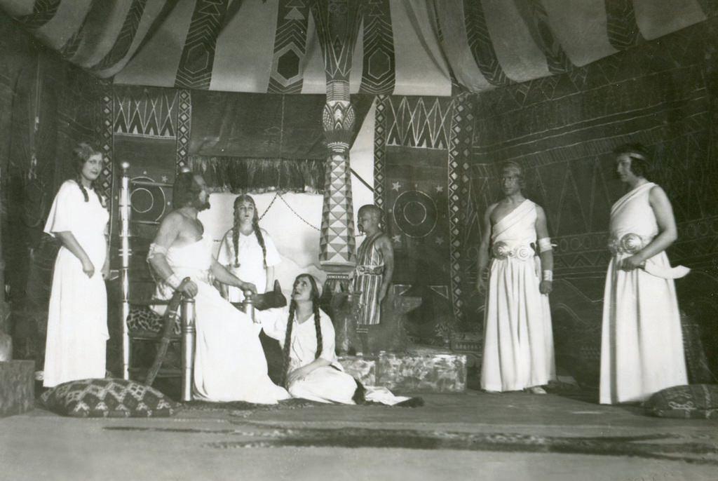 Osmanlıda Kurulan İlk Tiyatronun İsmi Darülbedayi Osmanlida Kurulan Ilk Tiyatronun Ismi Darul Bedayiç