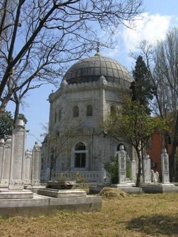 Sultan Abdülmecid Han Türbesi
