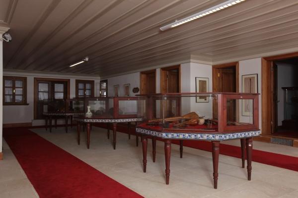 Aynalıkavak Kasrı Osmanlı Köşkleri Kasırları Ve Küçük Sarayları Aynalı Kavak Musiki Tarihi Enstrümanlar Müzesi Içi