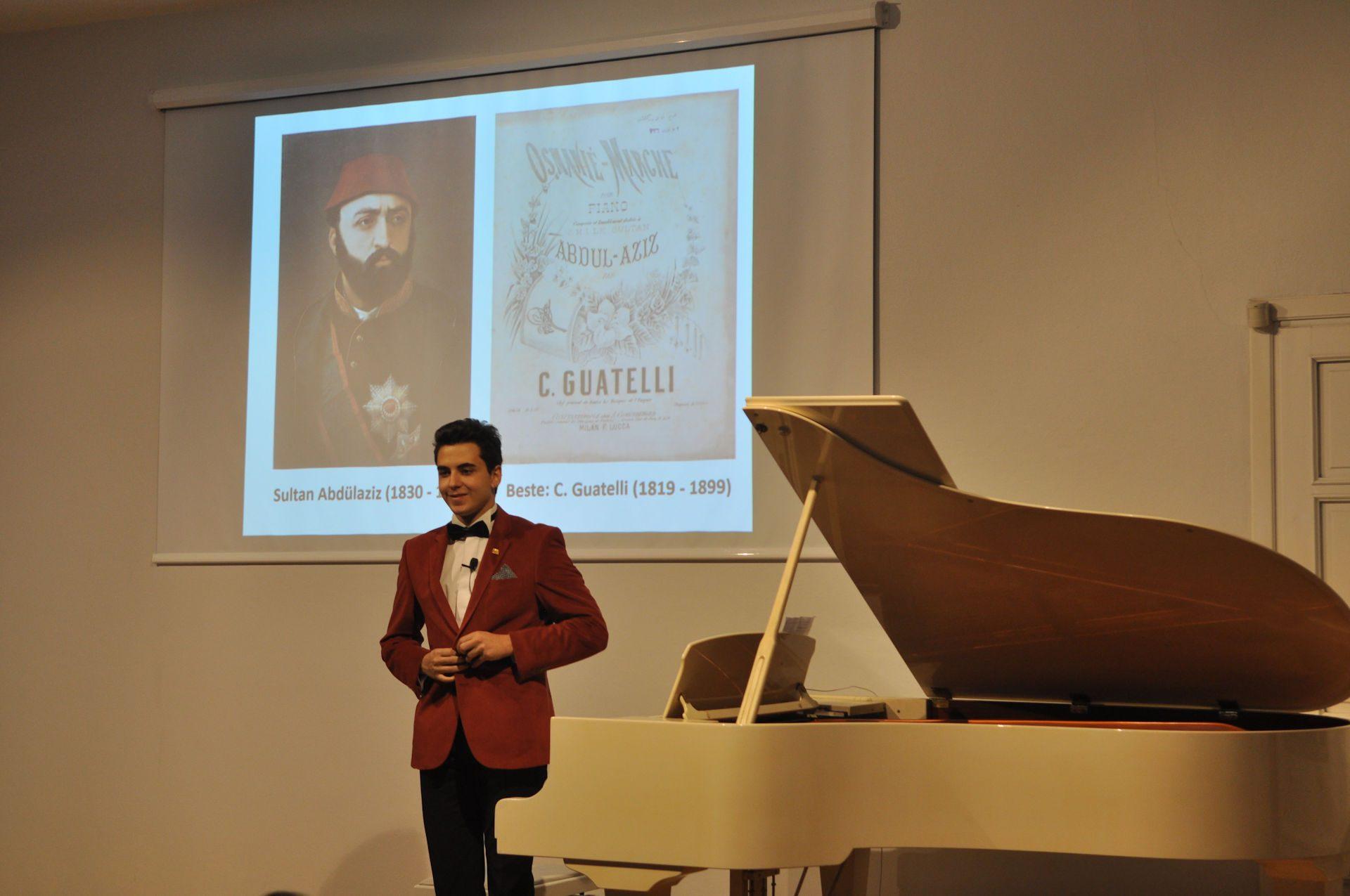 Piyano Tuşlarından Farklı Ezgiler Turing Konserinde Osmanlı Marşlarını Ve Müziklerini çaldı. Genç Osmanlı Piyanist Güneş Yakartepe Konserinde 5 Güzel Eseri Piyano Ile Icra Etti