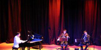 Güneş Yakartepe Piyano Türküler Türk Sanat Halk Musikisi Şarkılar Müzik Konseri İBB Cem Karaca Kültür Merkezi Konser Salonu 8 Kopya