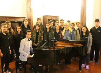 Genç Osmanlı Piyanist Bestekar Güneş Yakartepe Kimdir. Biyografisi Ve Musiki Geçmişi Türküler Şarkılar Marşlar Konseri
