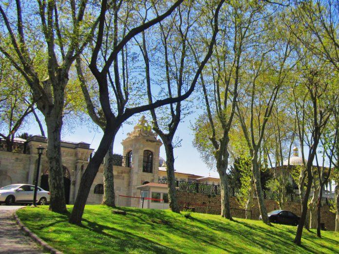 Gülhâne Parkı İstanbul. Ferman Burada Okundu. Sultan Abdulmecit Osmanlı Tanzimat Fermanı Getirdiği Yenilikler Nelerdir