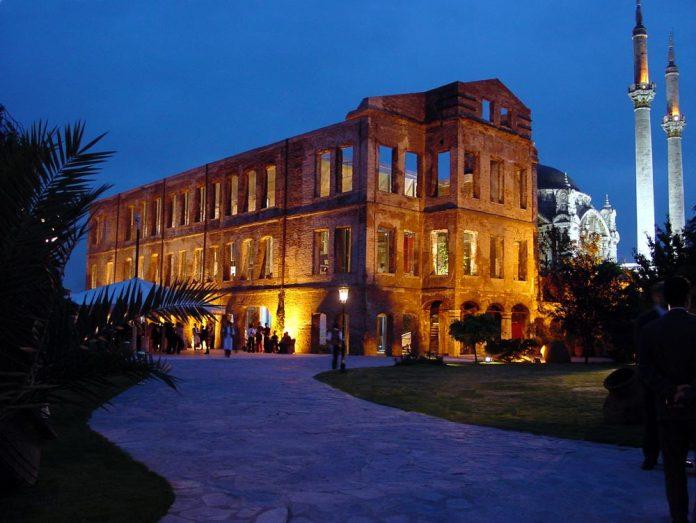 Osmanlı Sultanı Abdülazizin Kızı Esma Sultan Yalısı Esma Sultan Yalısı İstanbul Ortaköydeki Sahil Sarayı. EsmaSultan
